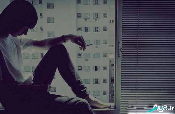 عکس تنهایی پسر غمگین