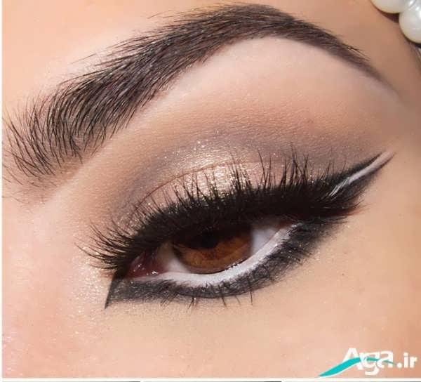 آرایش چشم ساده با خط چشمی متفاوت