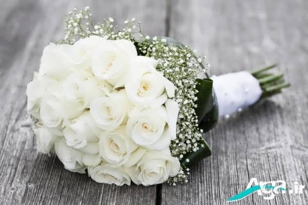 دسته گل رز سفید جذاب
