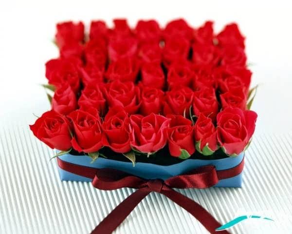 دسته گل رز برای روز عشق