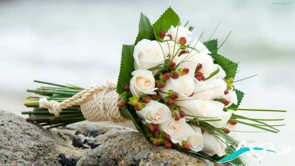 دسته گلی زیبا با گل رز