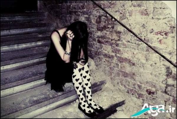 عکس دخترک غمگین