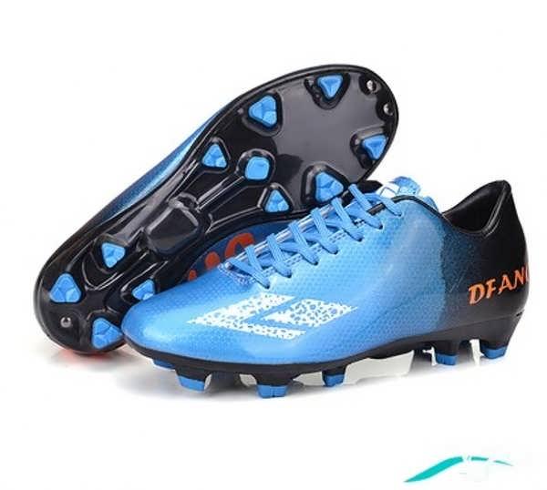 کفش کتانی آبی