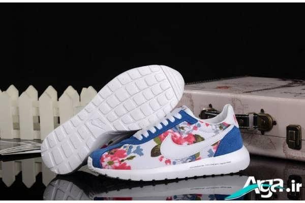 کفش کتانی آبی سفید