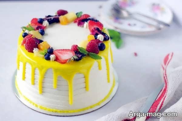 تزیینات متفاوت کیک خانگی با میوه