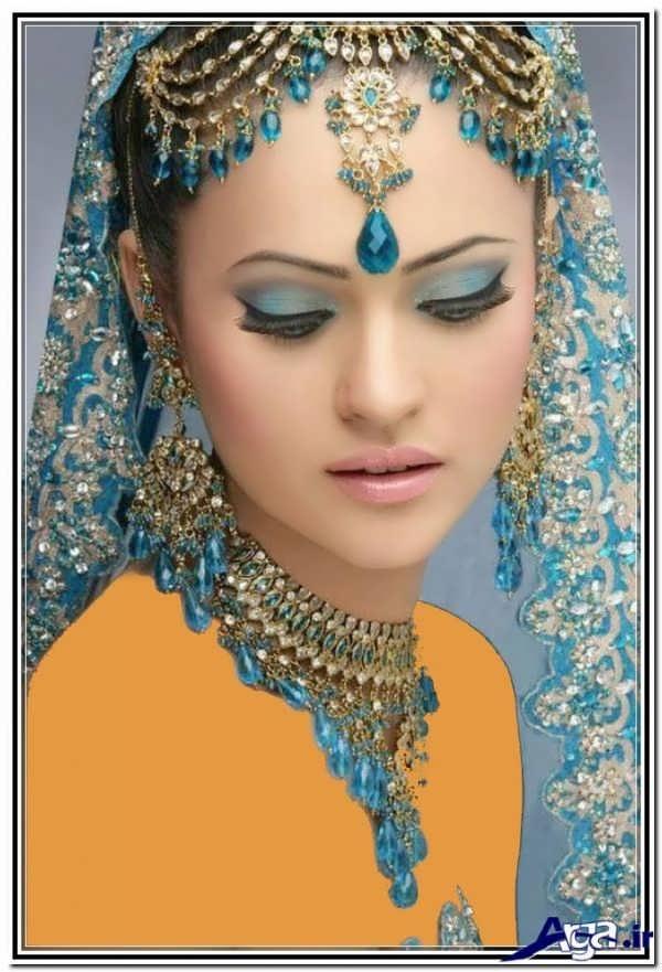 آرایش هندی با سایه آبی چشم