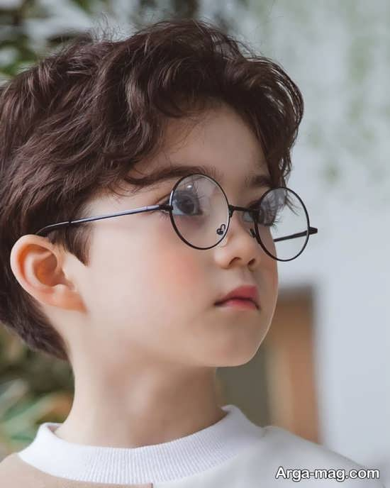 مدلی از عینک طبی کودکانه
