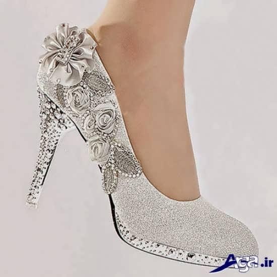 انواع کفش های رنگی و سفید عروس