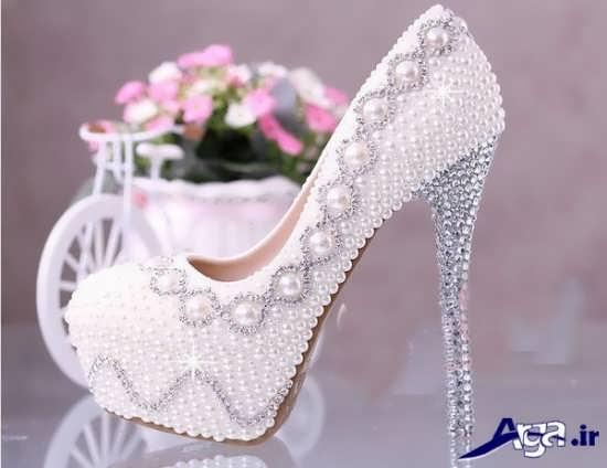 مدل های رنگی و سفید کفش عروس