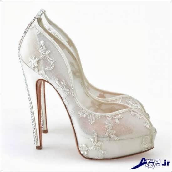 مدل کفش عروس کار شده با طرح گل