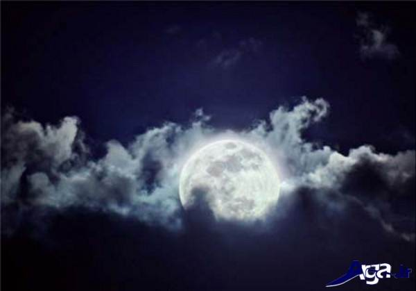 عکس ماه در آسمان