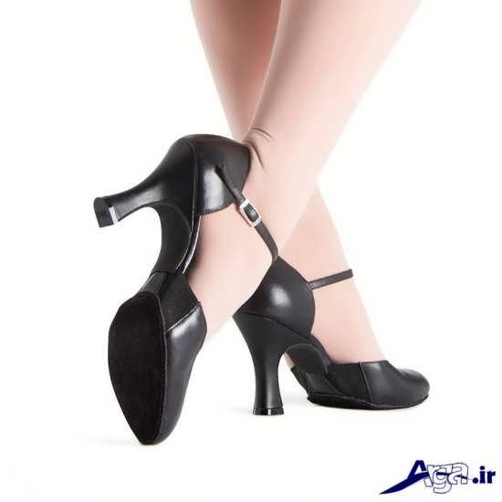 مدل های متنوع کفش با پاشنه های لژدار و میخی