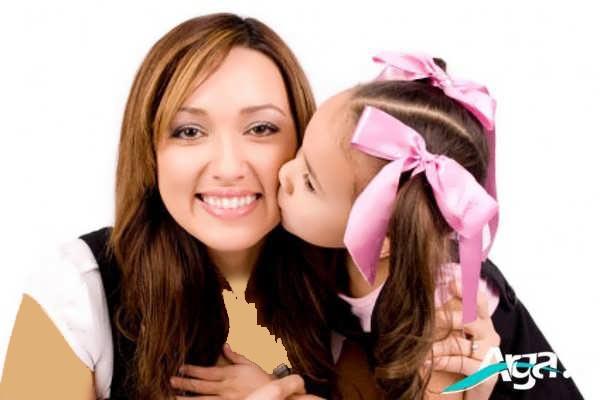 بوسه مادر