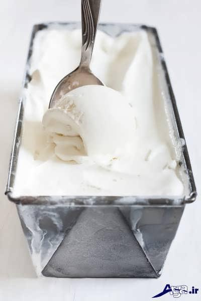بستنی بیرون اورده شده از فریزر
