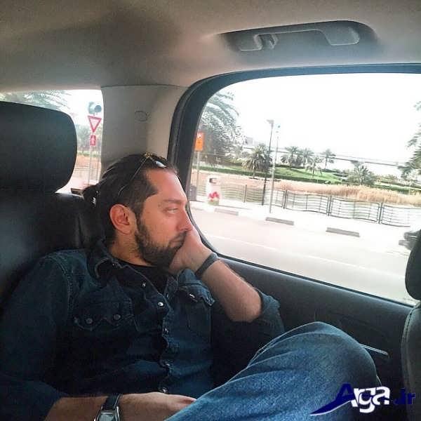 عکس بهرام رادان در ماشین