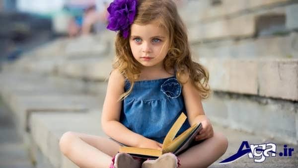 عکس دختربچه ناز با کتاب