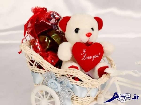 عکس عاشقانه عروسکی خرس درون سبد