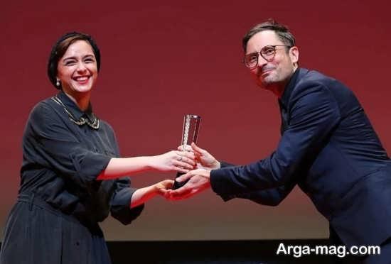 بیوگرافی ترانه علیدوستی و جوایز کاری او