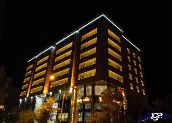 نورپردازی جدید و شیک نمای ساختمان