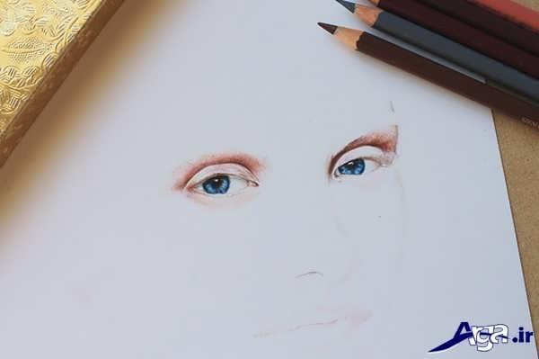 نقاشی صورت با مداد رنگی