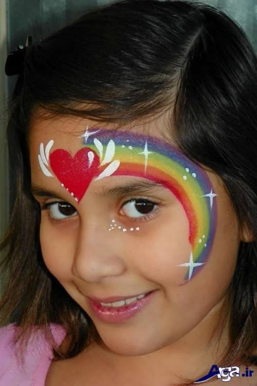 گریم زیبا کودک به شکل رنگین کمان