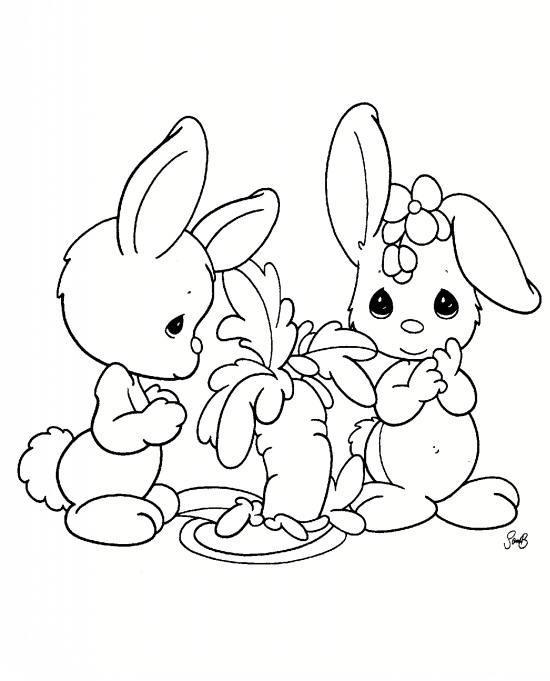 کودکان پسر و رنگ آمیزی خرگوش برای آن ها