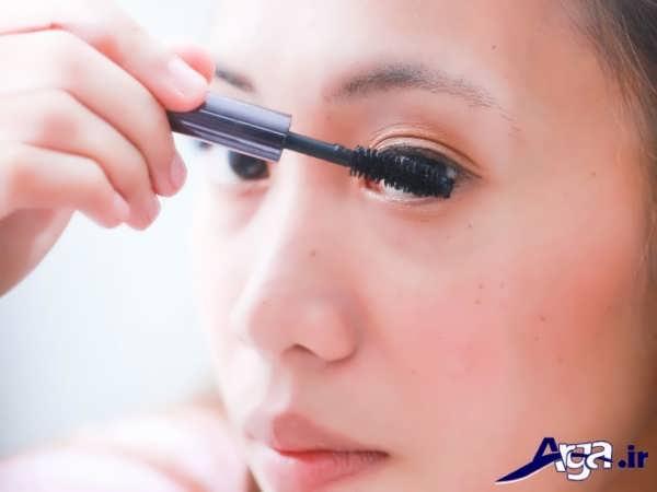 فرم کشیدن ریمل چشم