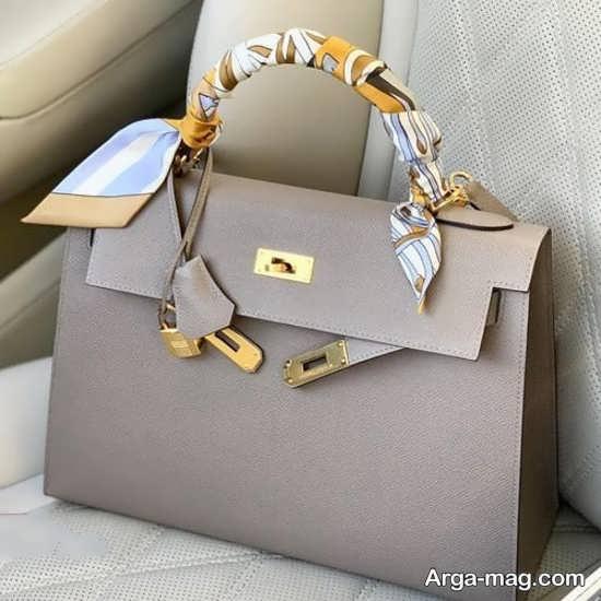 مدلی زیبا از کیف دخترانه