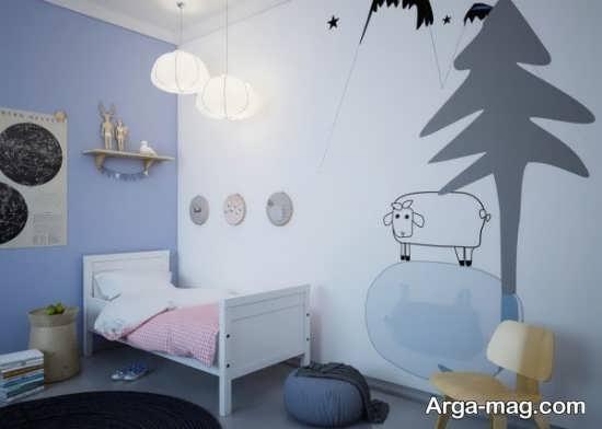 نقاشی روی دیوار اتاق