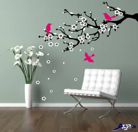 نقاشی روی دیوار پذیرایی