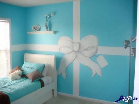 نقاشی ساده روی دیوار اتاق