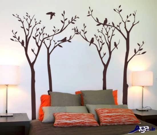 نقاشی رنگ روغن روی دیوار