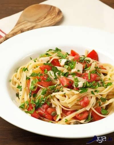 طرز تهیه اسپاگتی با ریحان و گوجه
