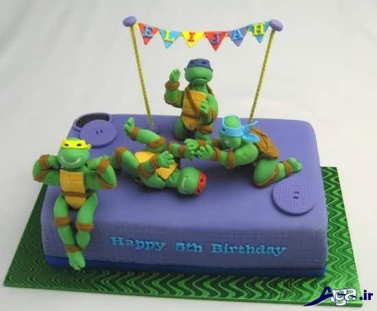 کیک جشن تولد با خمیر فوندانت