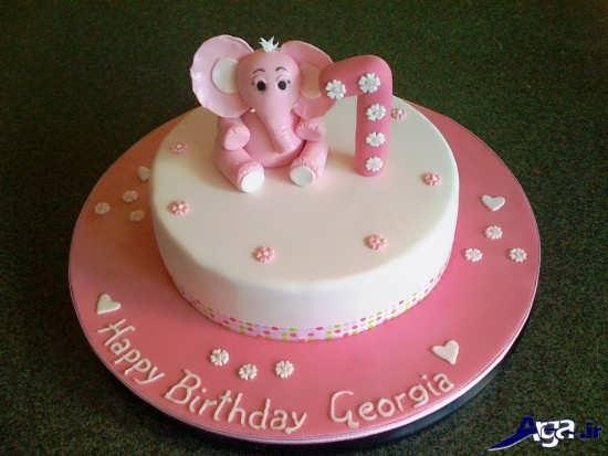 کیک ساده تولد با تزیین دخترانه
