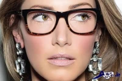 استفاده از مدام از عینک راهی برای کوچک تر کردن بینی
