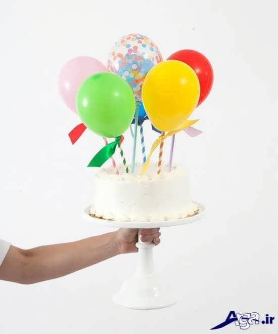 تزیین ساده کیک تولد با بادکنک