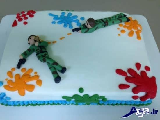 تزیین کردن کیک تولد