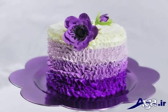 تزیین کیک تولد خانگی با کمک خامه های رنگی