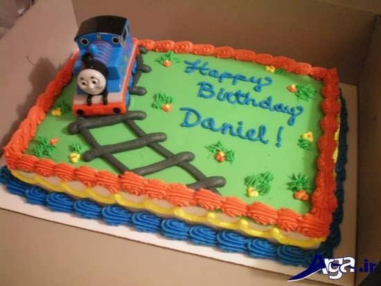 تزیین کیک تولد خانگی با خمیر فوندانت برای بچه ها