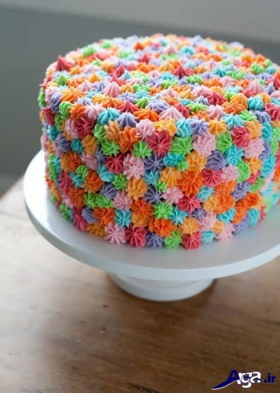 تزیین کیک با خامه های رنگی