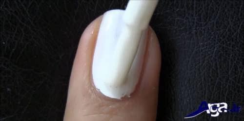 پوشش دادن سطح ناخن با کمک لاک سفید