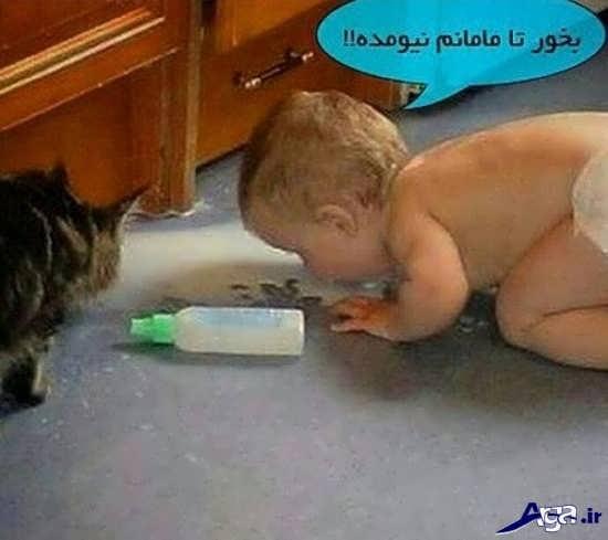 عکس خنده دار شیرخوردن کودک