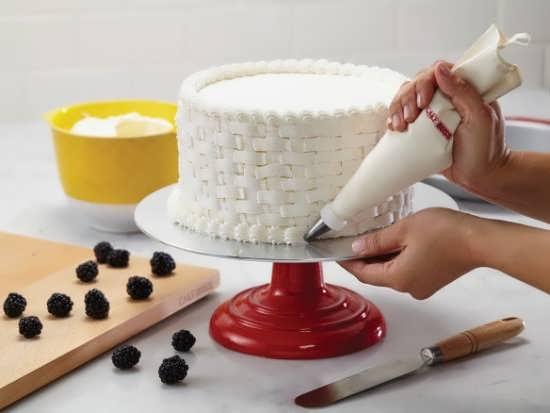 تزیین کیک ساده خانگی