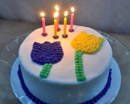 تزیین کیک با شمع و طرح گل