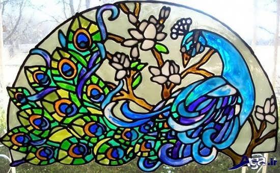 نقاشی طاووس روی شیشه