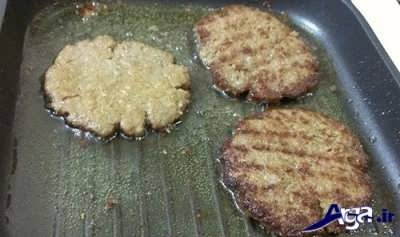 سرخ کردن همبرگر