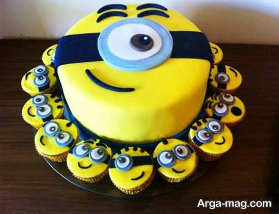 تم تولد مینیون با کیک بسیار زیبا