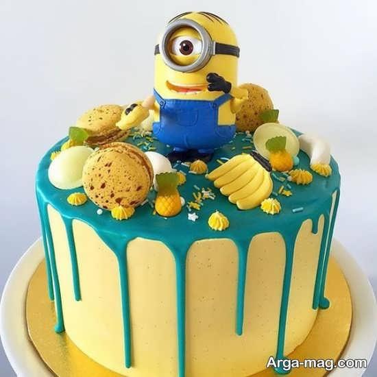 تزیین کیک با تم تولد مینیون