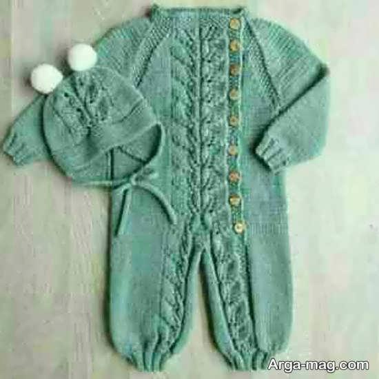 مدلی از لباس بافتنی نوزاد پسر